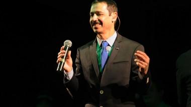 Eddie Santiago con su éxito Lluvia