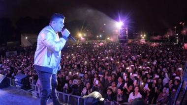 Jerry Rivera arrasa en Peru